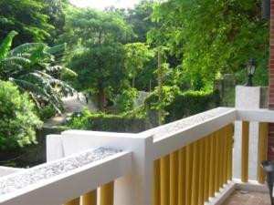 terrace overlooking the road