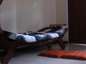 the daybed at the living room
